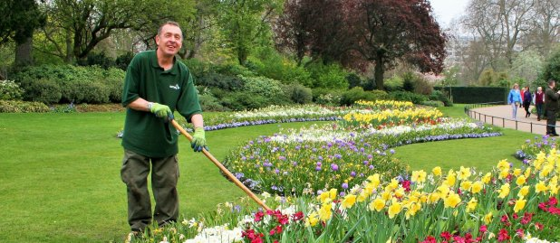 Landscape gardener gloucester nationwide construction for Garden maintenance jobs